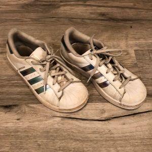 Adidas Superstar - kids sz 2